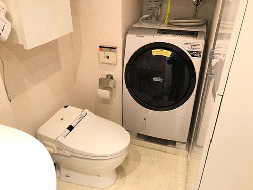 トイレが邪魔で洗濯機が設置できない