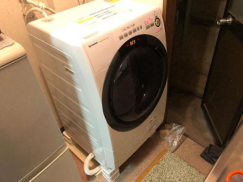 洗濯機と防水パンのサイズが合わない